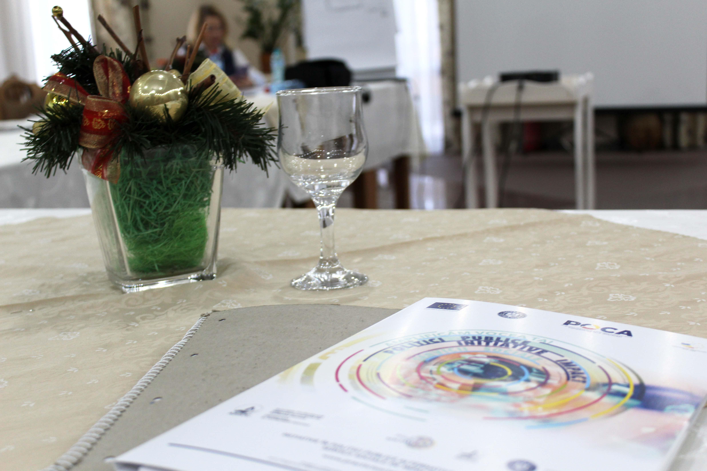 Asistenți sociali chemați la o masă rotundă pentru îmbunătățirea legilor din domeniu